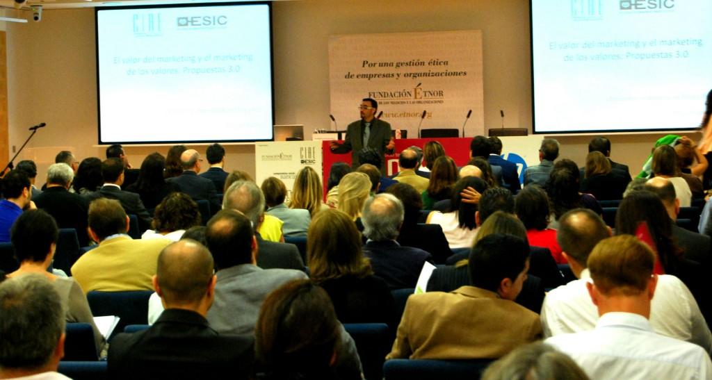 miguel llofriu 1024x547 Resumen del I Encuentro Empresarial de Ética y RSE de Valencia